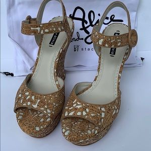 Alicia and olivia wedges sandals